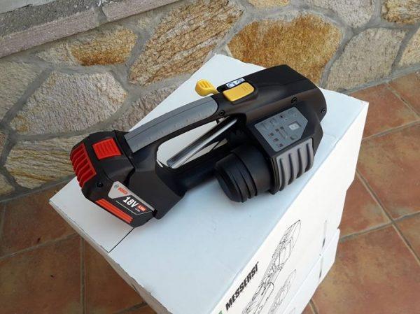 MB820 batteridriven plastbandare 16-19mm för PET och PP med Batteri & Laddare 3